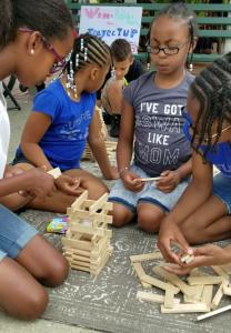 Keva girls build
